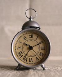 canva-old-fashioned-alarm-clock-MACNSyx8hxY
